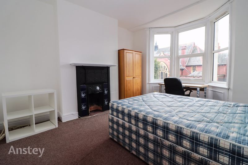 Four Double Bedroom – Student House – July 2022