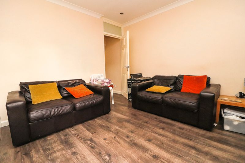 Four Double Bedrooms – Two Bathrooms – Student House
