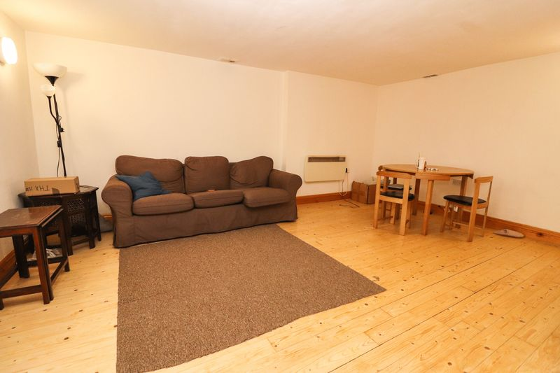 Four Double Bedrooms – Two Bathrooms – Students/Sharers Property