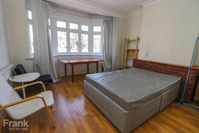 Six Double Bedroom – Student House 2021 – Bills Included Option