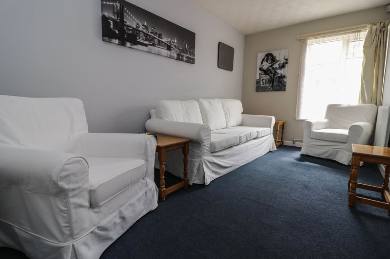 Three Double Bedrooms – Student House 2021