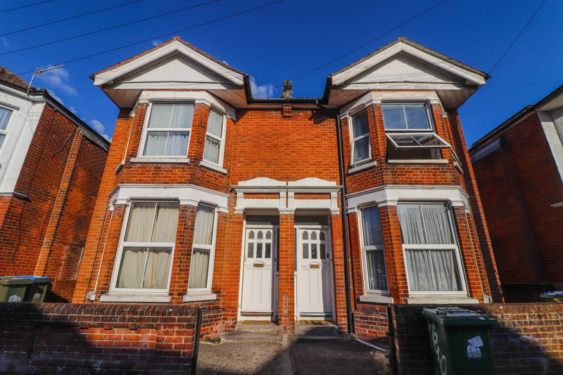 Four Double Bedrooms – Polygon Student House 2021 – Bills Included Option