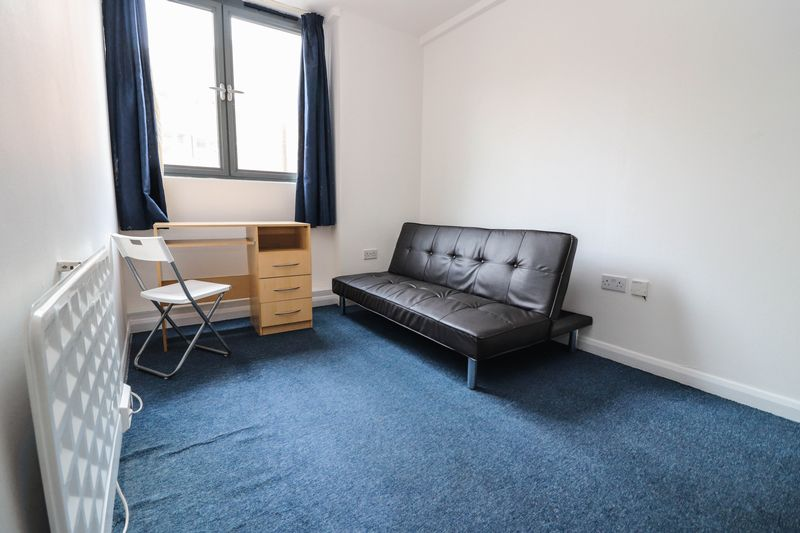 One Bedroom Apartment – Central Location – Water Rates Included – Students Welcome