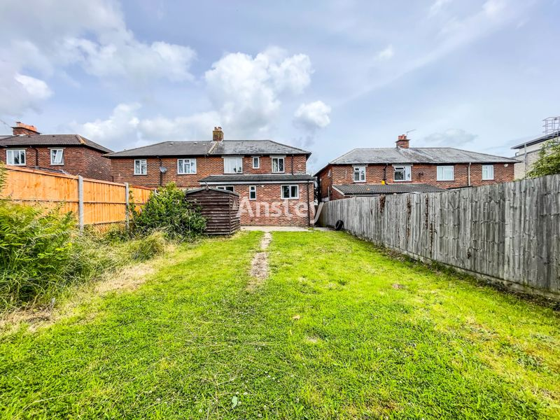 Four Double Bedrooms – Three Off Road Parking Spaces – Student/Sharers House 2021