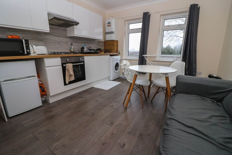 Two Double Bedrooms – Student Flat 2021