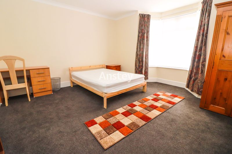Four Double Bedrooms – Student Property 2021