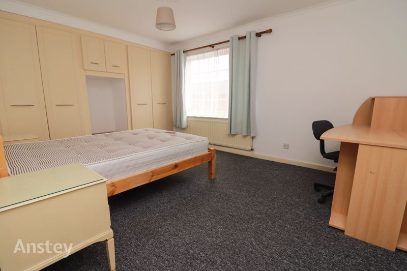Four Double Bedroom – Student/Sharers House – Bills Included Option