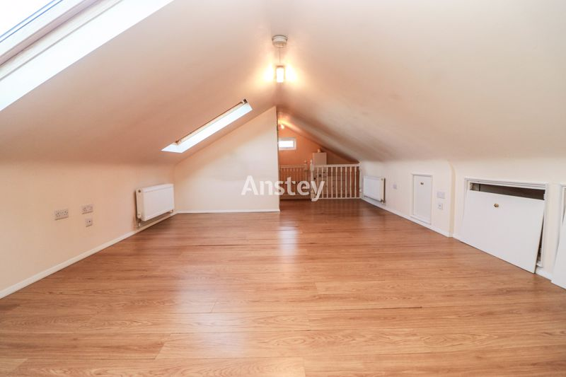 Top Floor – Studio Flat – Available Early December 2020