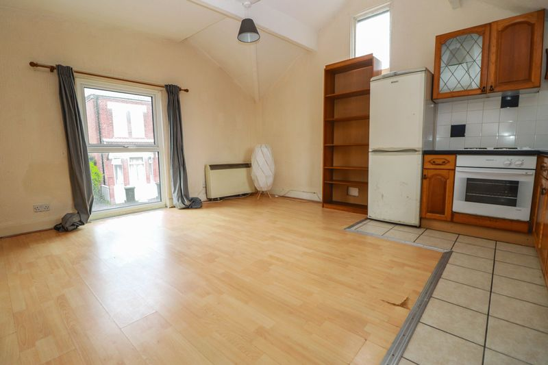 One Bedroom – Detached Coach House – Available Now