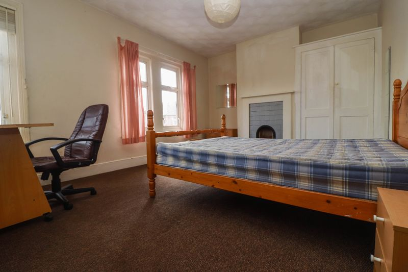 Four Double Bedrooms – Student/Sharers Property 2019