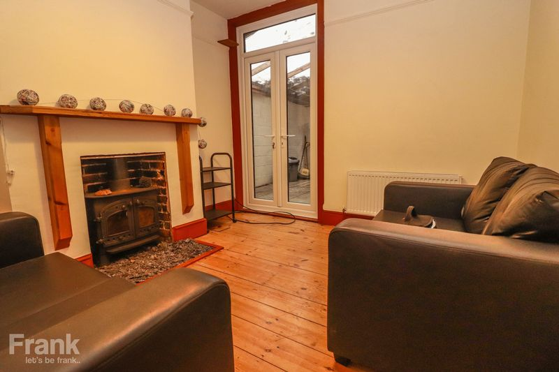 Three Double Bedrooms – Student/Sharers House – Available July 2020