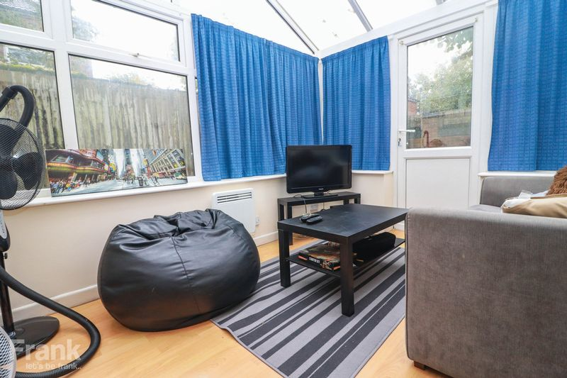 Five Double Bedrooms – Bills Included Option – Polygon 2021