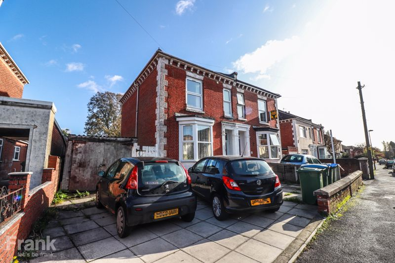 Student Property 2020 – Six Double Bedrooms – Two Bathrooms – Portswood