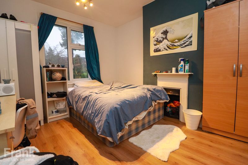 Student Property – Four Double Bedrooms – July 2021