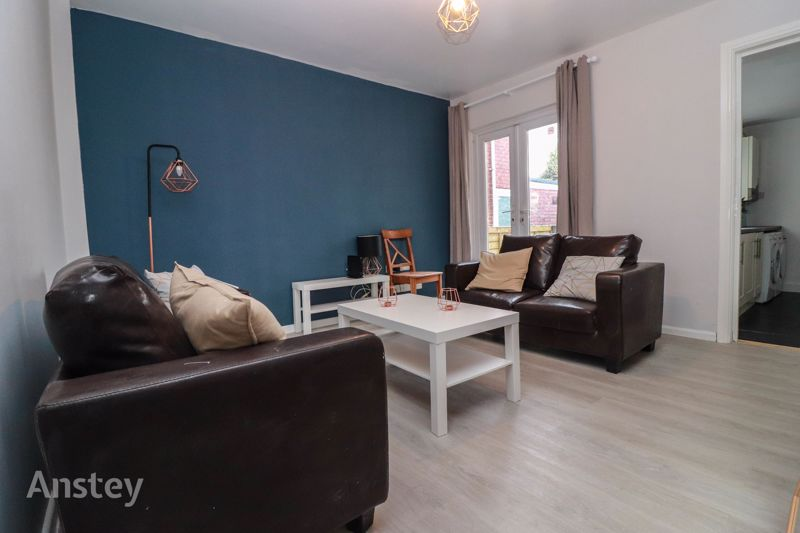 Four Double Bedroom – Two Bathroom – Refurbished Student House