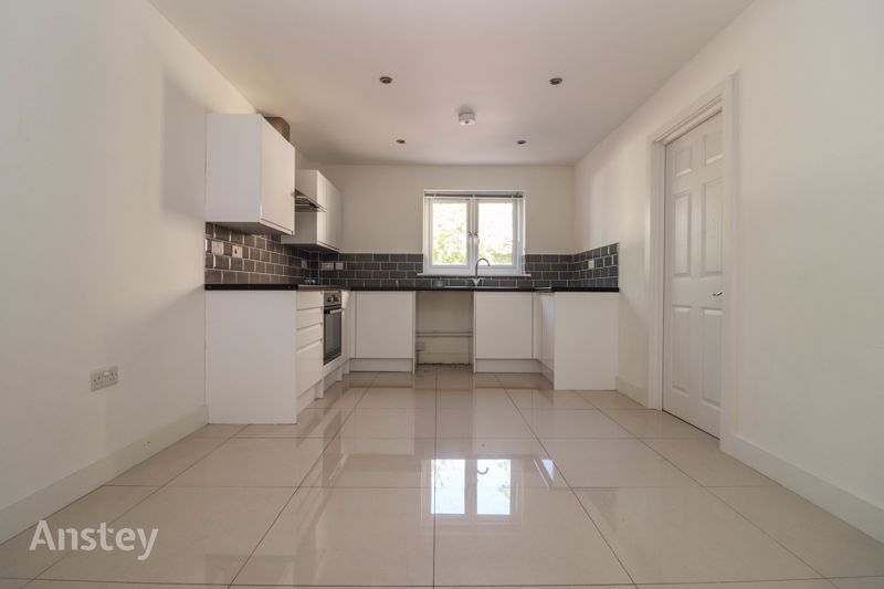 Two Bedroom – Ground Floor Flat – ** Walk Through Video Available **