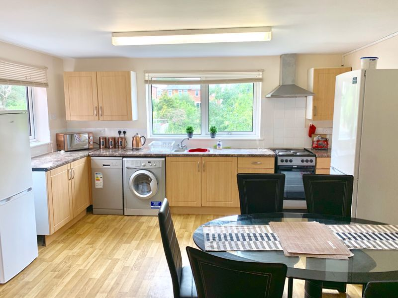 Four Double Bedroom – Student/Sharers House – July 2021