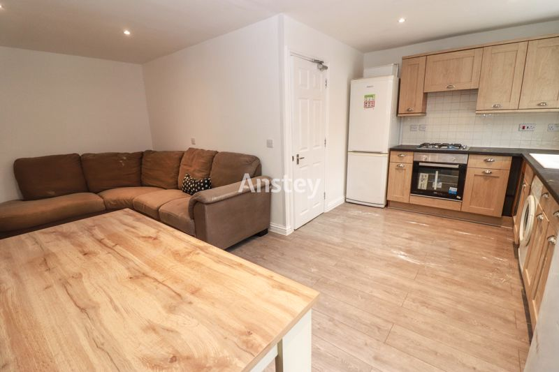 Terraced House – Student/Sharers Property 2021 – Fully Refurbished