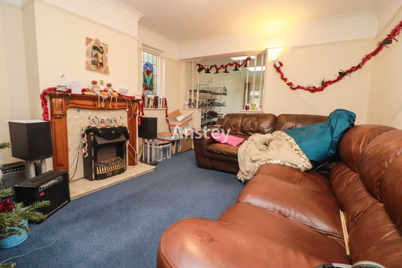 Five Bedroom – Student House – Available July 2021