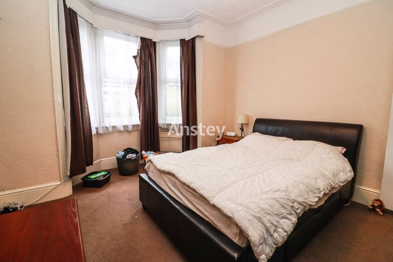 Five Double Bedrooms – Terraced Student House – Available July/August 2021
