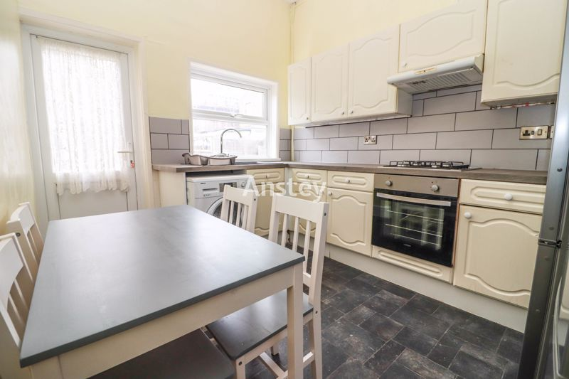 Five Double Bedrooms – Student/Sharers Property – August/September 2021