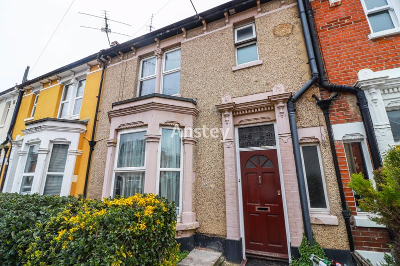 Five Double Bedrooms – Student/Sharers Property – September 2021