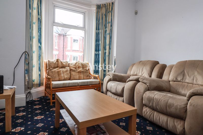 Student/Sharers Property – Four Double Bedrooms – July 2021