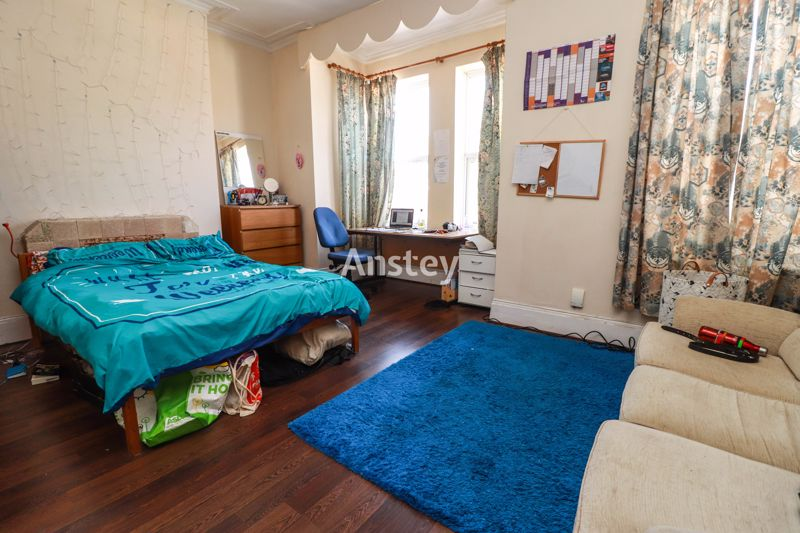 Five/Six Double Bedroom – Student/Sharers Property 2021