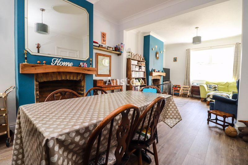Three Bedroom – End of Terrace – BH1 – Online Video Available