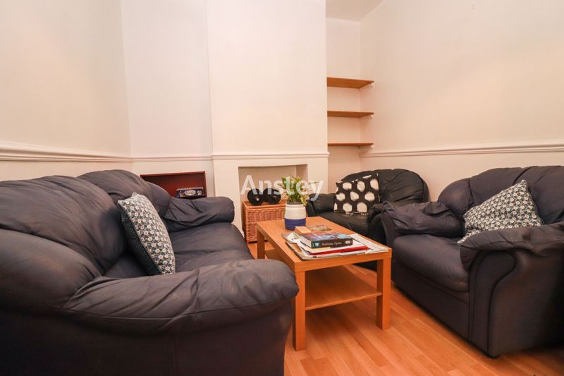 Four Bedrooms – Student/Sharers House 2021 – August 2021
