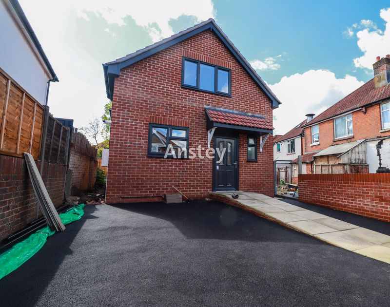 New Build – Two Double Bedrooms – Available Early October