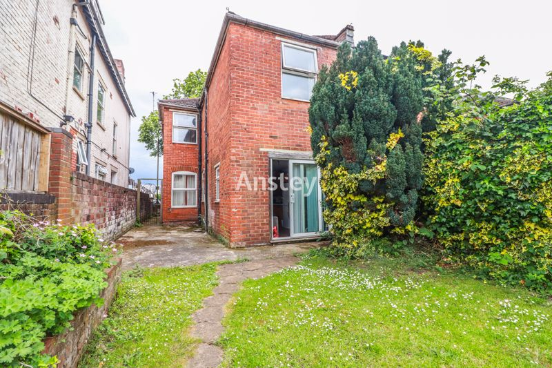 Four Double Bedrooms – September 2021 – Bills Included Option