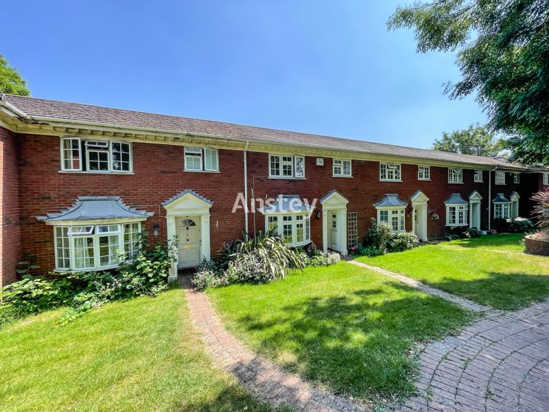 Student/Sharers Property 2021 – Four Double Bedrooms – July/August 2021